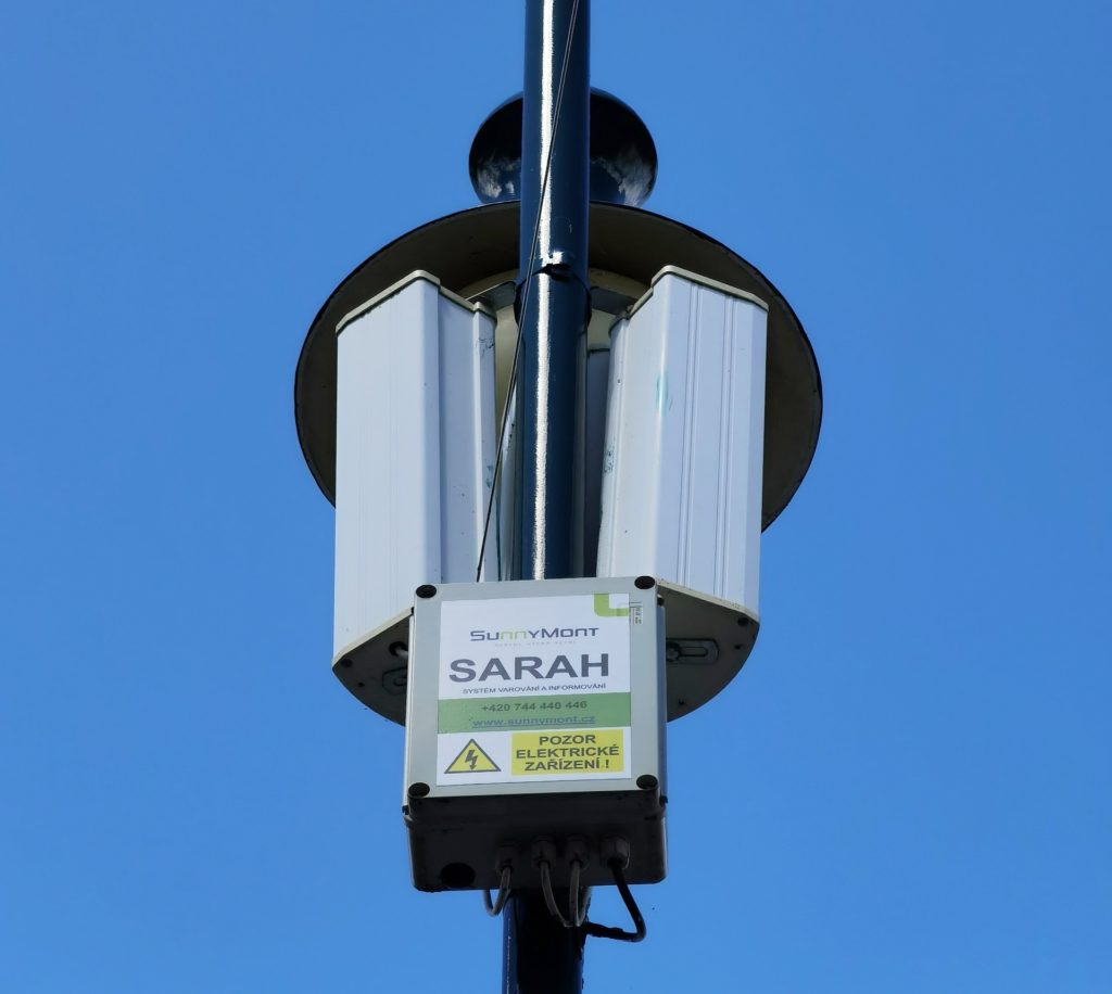 Dodávka a montáž rozhlasového systému na náměstí v Berouně.