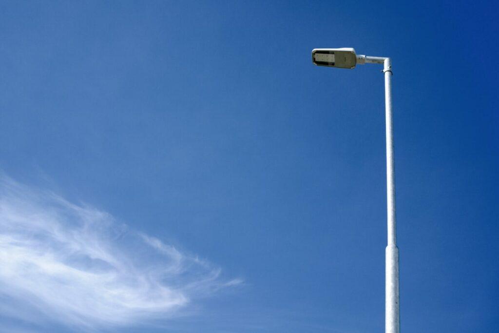Detail nově zrekonstrované LED pouliční lampy.
