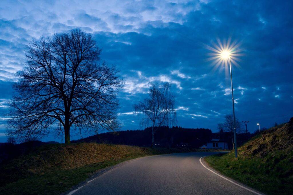Rekonstrukce veřejného osvětlení na hlavní komunikaci v obci Drevníky.